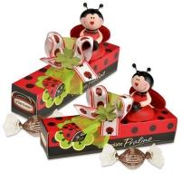 12 St. Porzellan-Käfer auf Box gefüllt mit feinen Pralinen