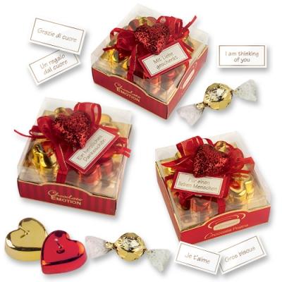 9 St. Herz-Kerzen rot & gold auf Box, sortiert und feinen Pralinen